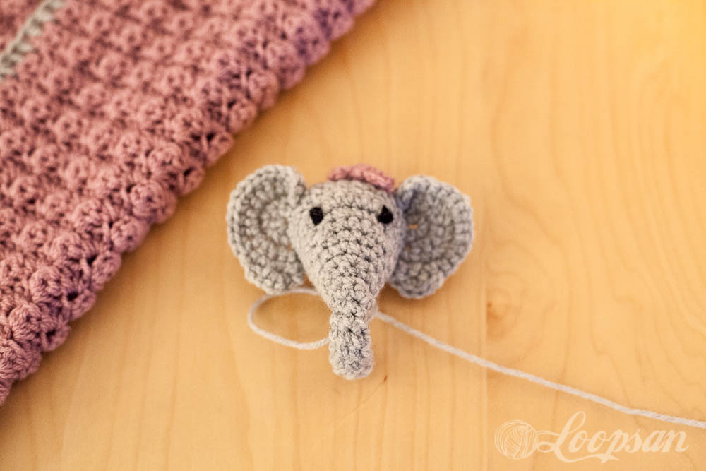 Elefant with Bow