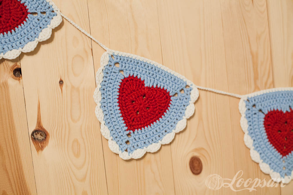 Granny Heart Bunting by Loopsan