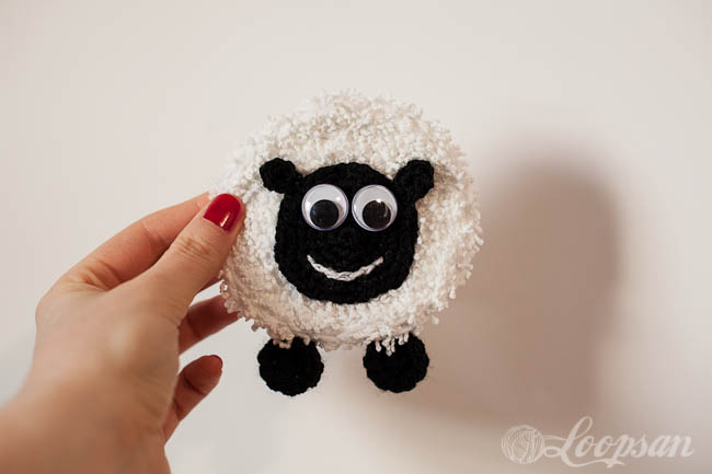 Minty the Happy Sheep Badge