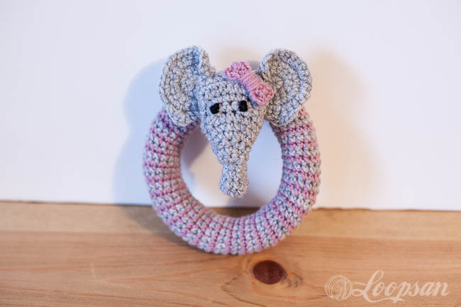 Grace – The little elephant rattle Free pattern – Loopsan Crochet Blog