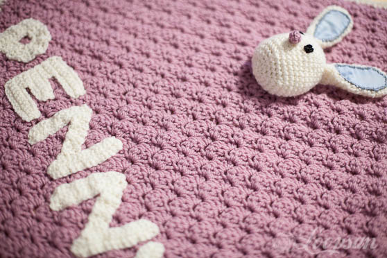 Brini- The Bunny Carseat Blanket Free Pattern