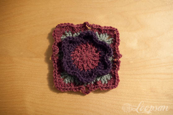 Winter Flower Square free pattern by Loopsan